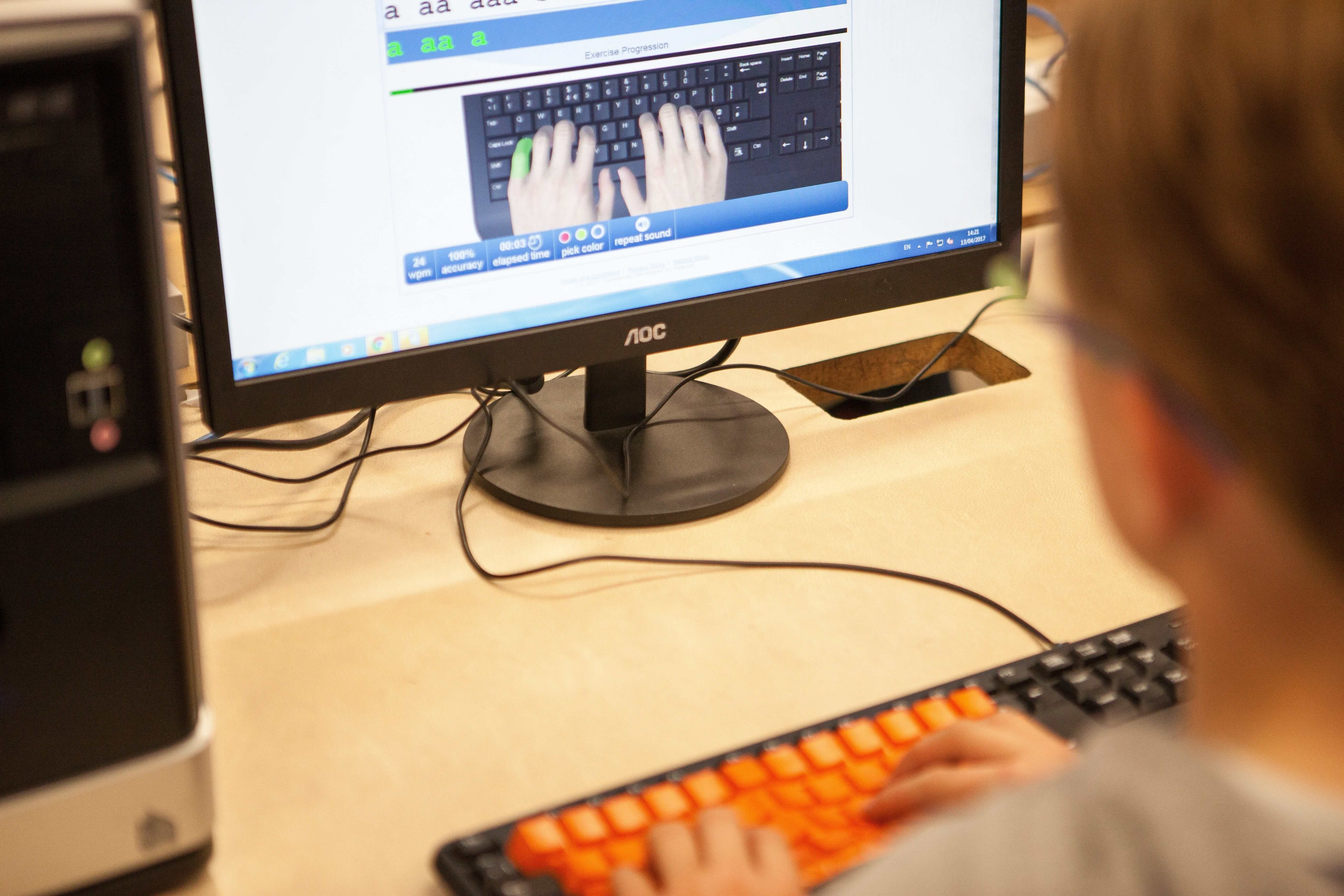 Searsol | Touch typing courses | Computer Camps | Computer